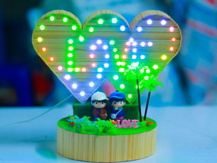 Trái tim đôi hiệu ứng chữ Love